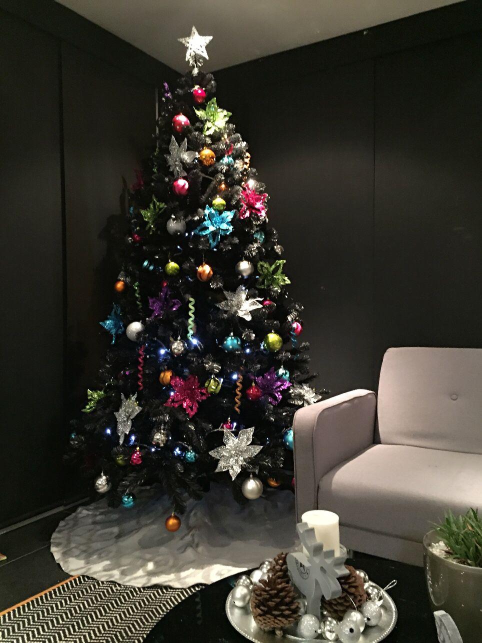 Rbol de navidad negro christmas tree black christmas for Decoracion christmas navidenos