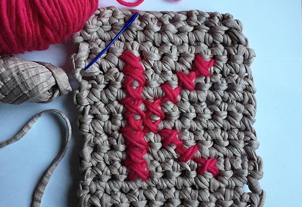 Punto de cruz en crochet punto de cruz puntos y trapillo - Puntos crochet trapillo ...