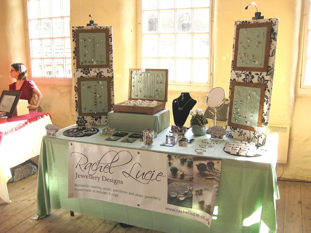 Clean And Simple Jewellery Display For Craft Fairs Craft Show Displays Craft Stall Display Jewellery Display