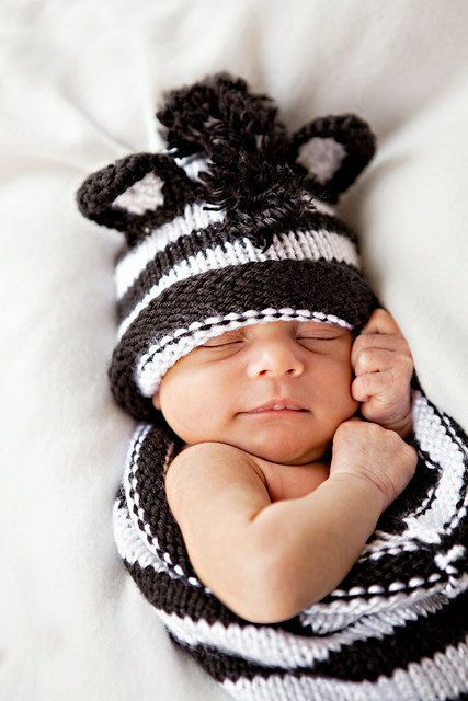 Photo prop knit baby Zebra cocoon set black and white -pod-sack and ...