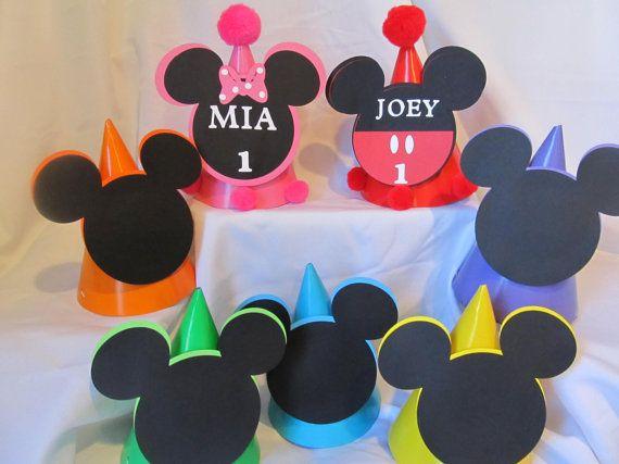 Sombreros de fiesta de cumpleaños Mickey por DreamComeTrueParties ... c3269e9890c
