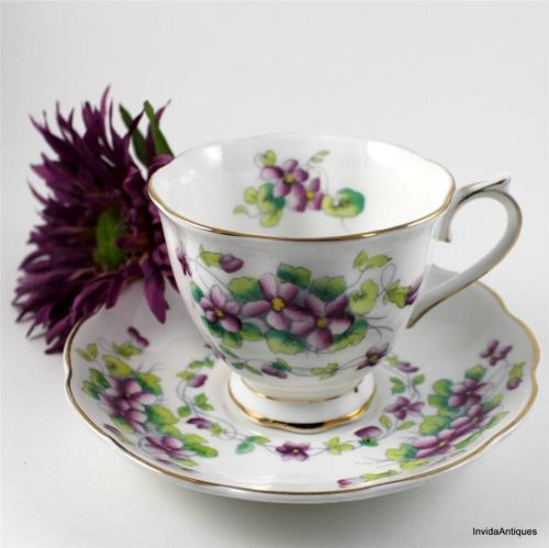 Royal Albert Bone China SWEET VIOLETS Cup Saucer Set - MINT CONDITION