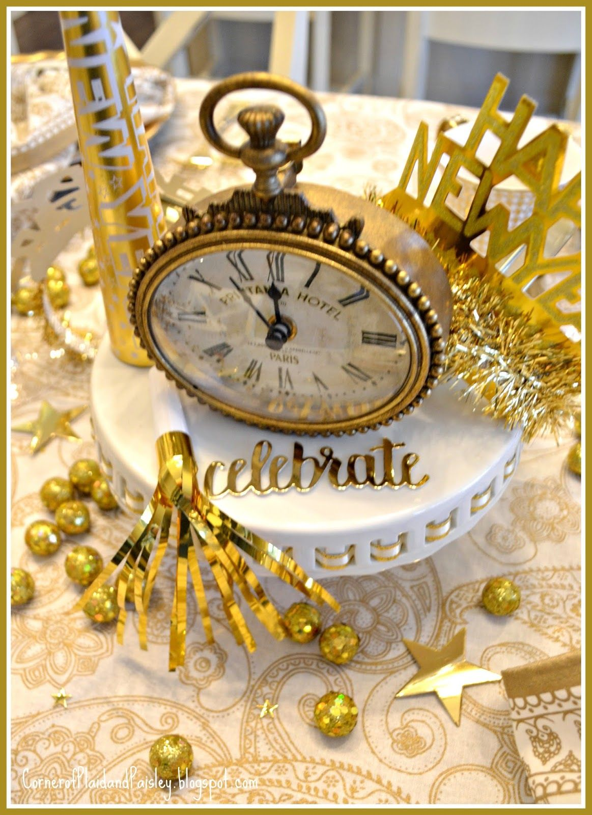 New Year's Eve Tablescape | New years eve day, New years ...