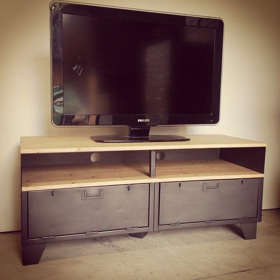 Meuble tv style industriel clapets et niche largeur avec anciennes portes clapets de - Restauration meuble industriel ...