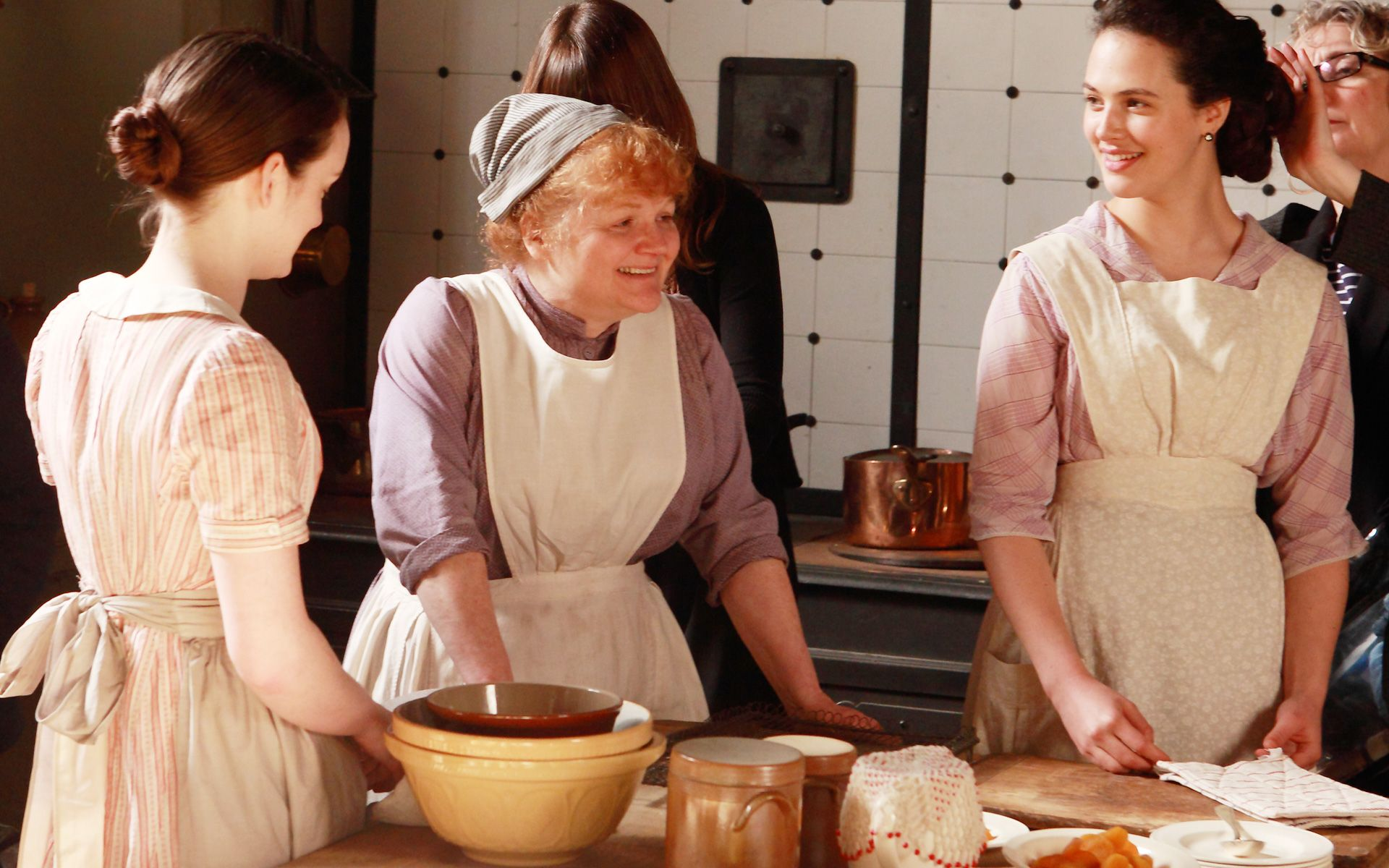 Downton Abbey Series 2, Episode 1 Behind-the-Scenes - Daisy, Mrs. Patmore, and Lady Sybil