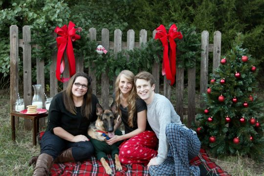 Photographer, lover of Pinterest, and planner. The triple threat that gets me in trouble sometimes. We roped our family and Kristi Belle into helping us accomplish the cutest Christmas card shoot o…