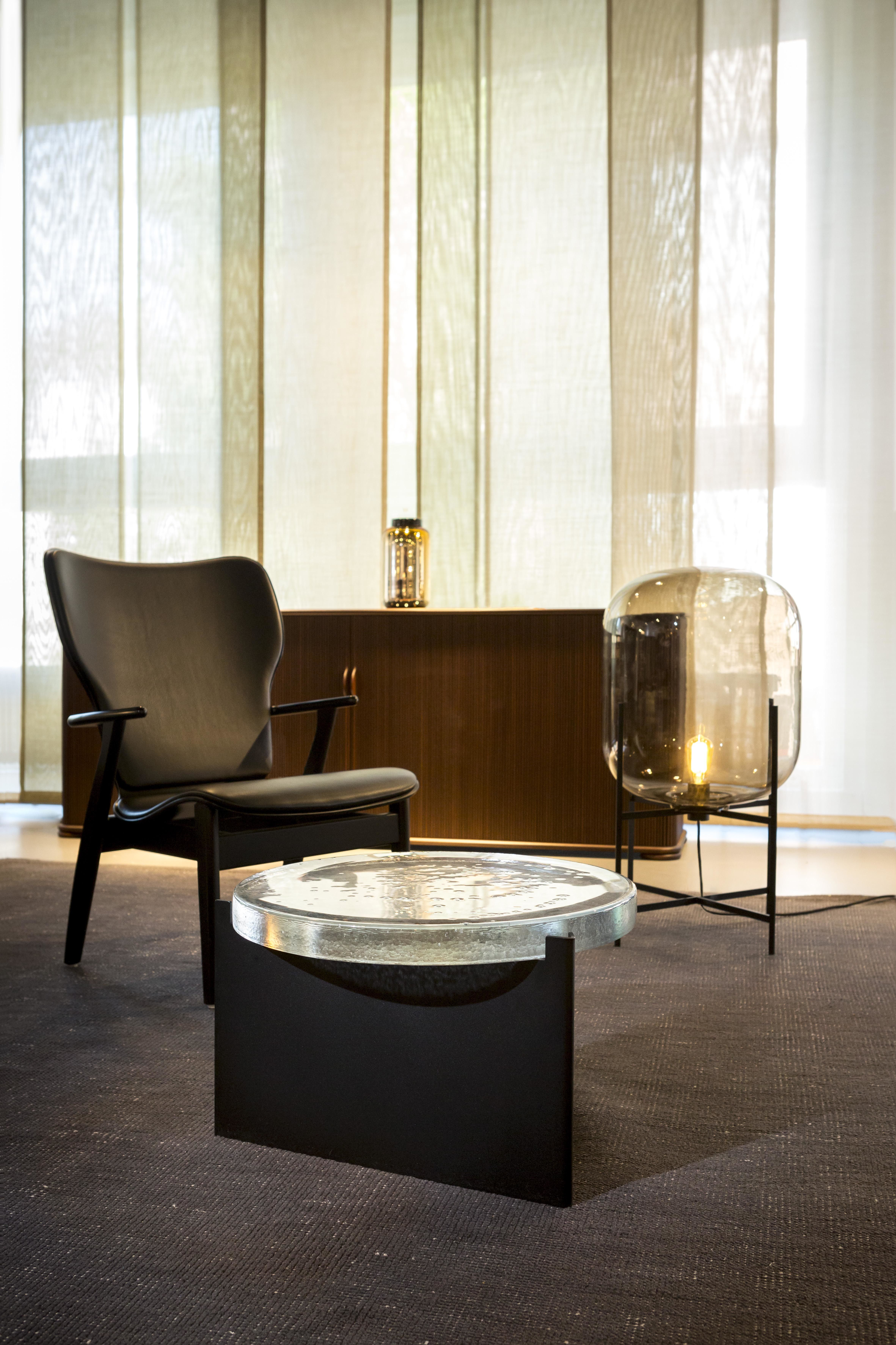 Coffee Table Alwa I Big By Sebastian Herkner For Pulpo Materials Colors Transparent Cast Glass Black Powder Coated St Vloerlamp Koffietafel Interieur
