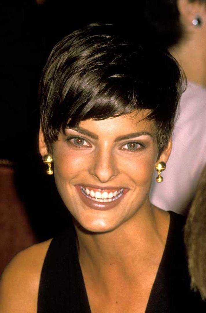 Linda Evangelista Best Smile Pixie Frisur Pixie Haarschnitt Styling Kurzes Haar