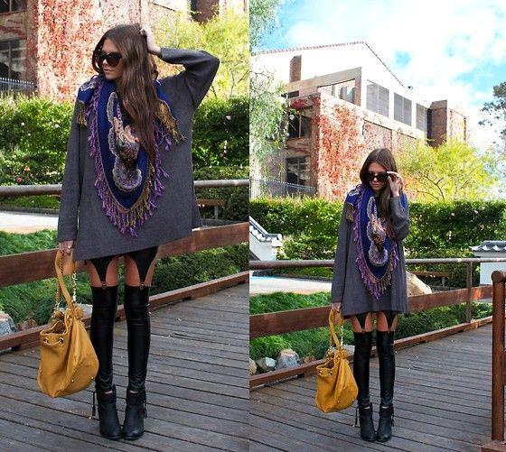 Vintage Sweater, Akira Leggings, Violet & I Scarf, Rmk Boots