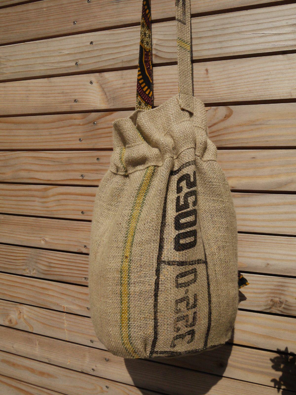 Sac de plage réalisé en toile de jute de sac à café recyclé - réversible - doublé Wax authentique