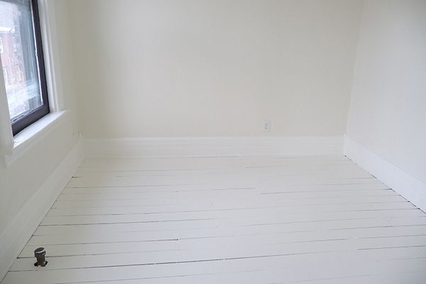 Moonlight White Walls Bm Oc 125 Simply Trim 117 Both Taupe Undertones Great Pinterest Painted Floors And
