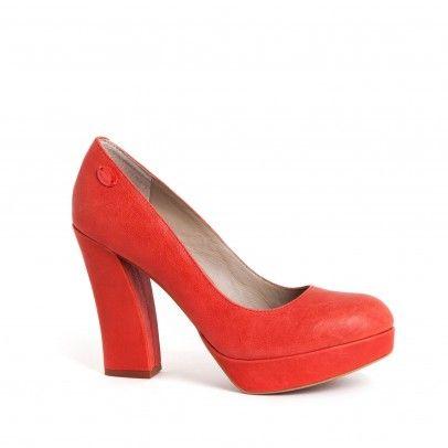el más nuevo 3292c cb5d1 Zapato en color coral con tacón ancho y plataforma. Cómodo y ...