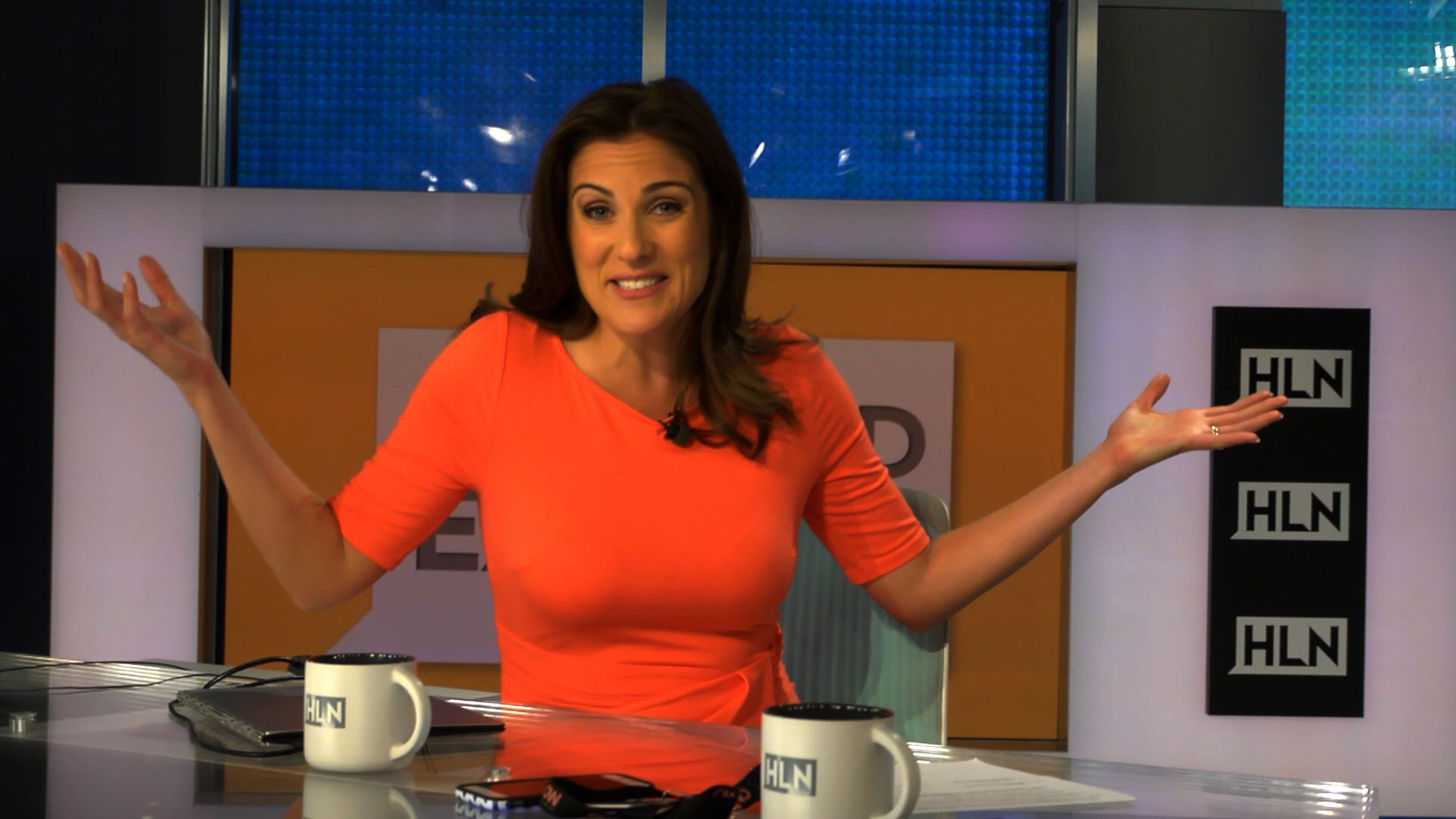 Lynn Smith- Host of HLN Weekend Express tells iMW how ...