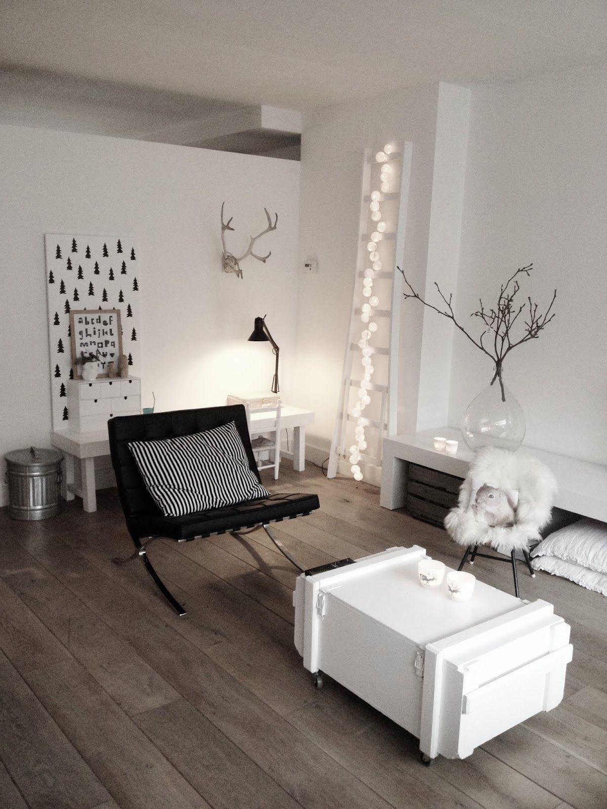 Simple #lovingroom #black U0026 #white