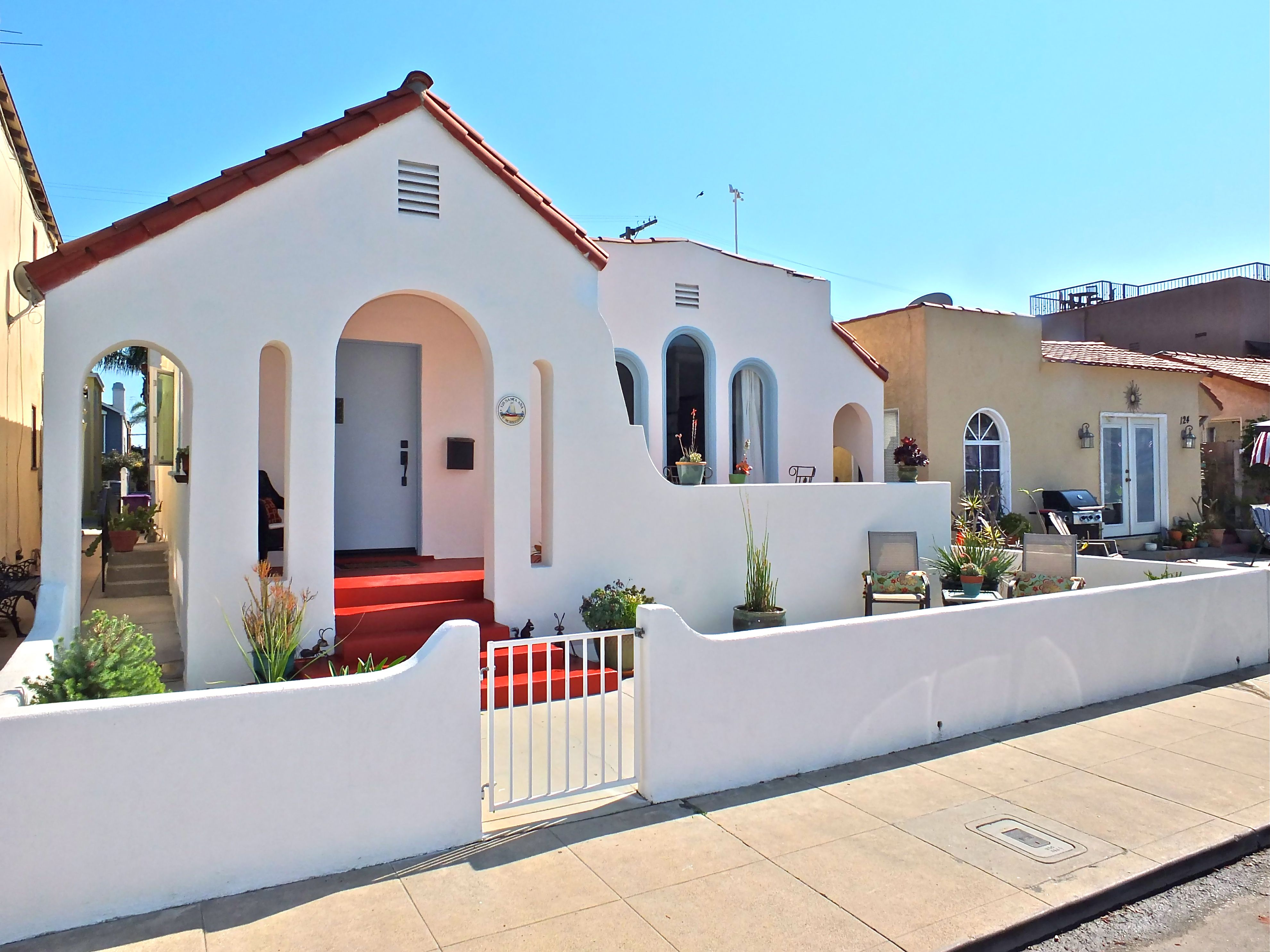 126 Santa Ana Avenue Belmont Shore Long Beach Ca 90803 A Team Scarborough Home Shore House Belmont Shore Spanish House