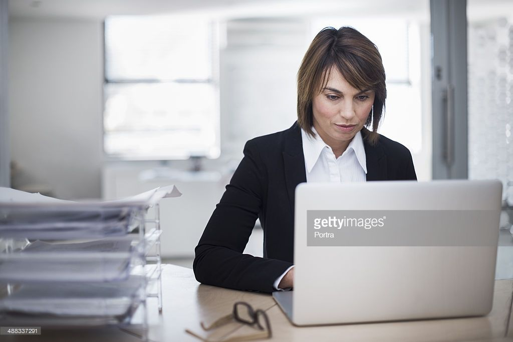 Stock Photo Woman working in the office Instant cash