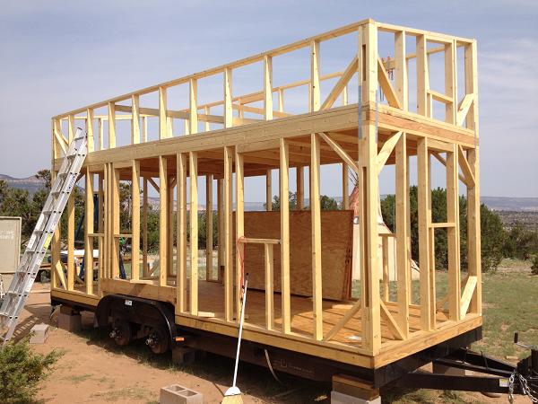La construction d'une Tiny House | Maisons minuscules, Construction maison,  Petite maison sur roues