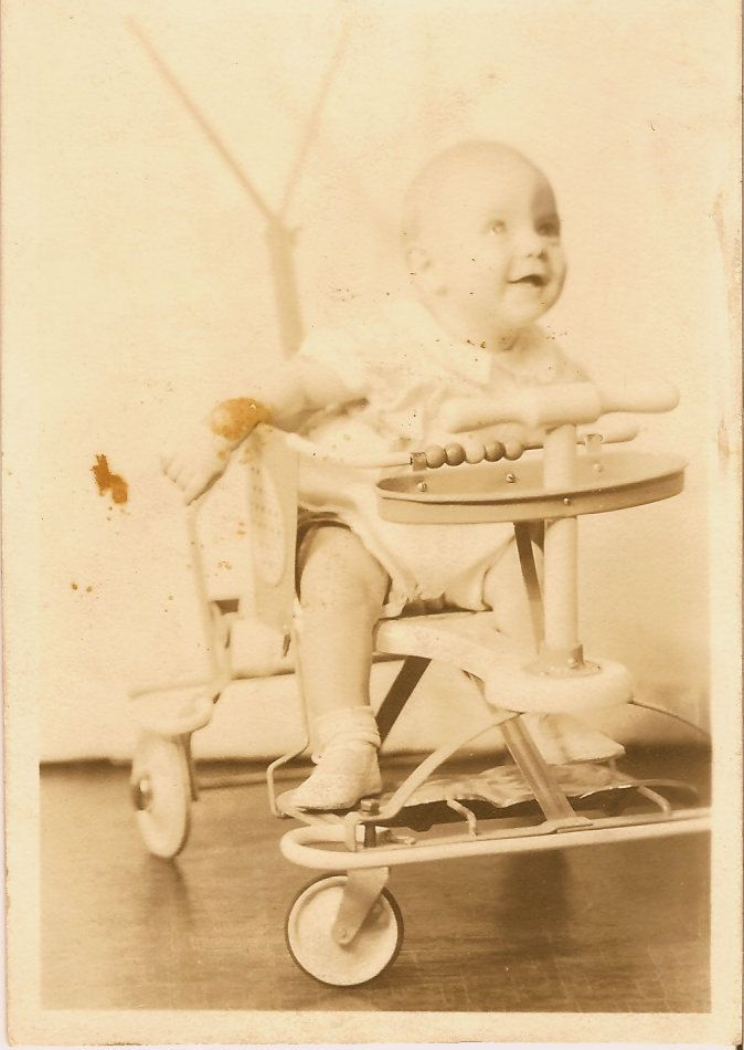 Vintage 1950 S Baby In A Taylor Tot Baby Walker Stroller With
