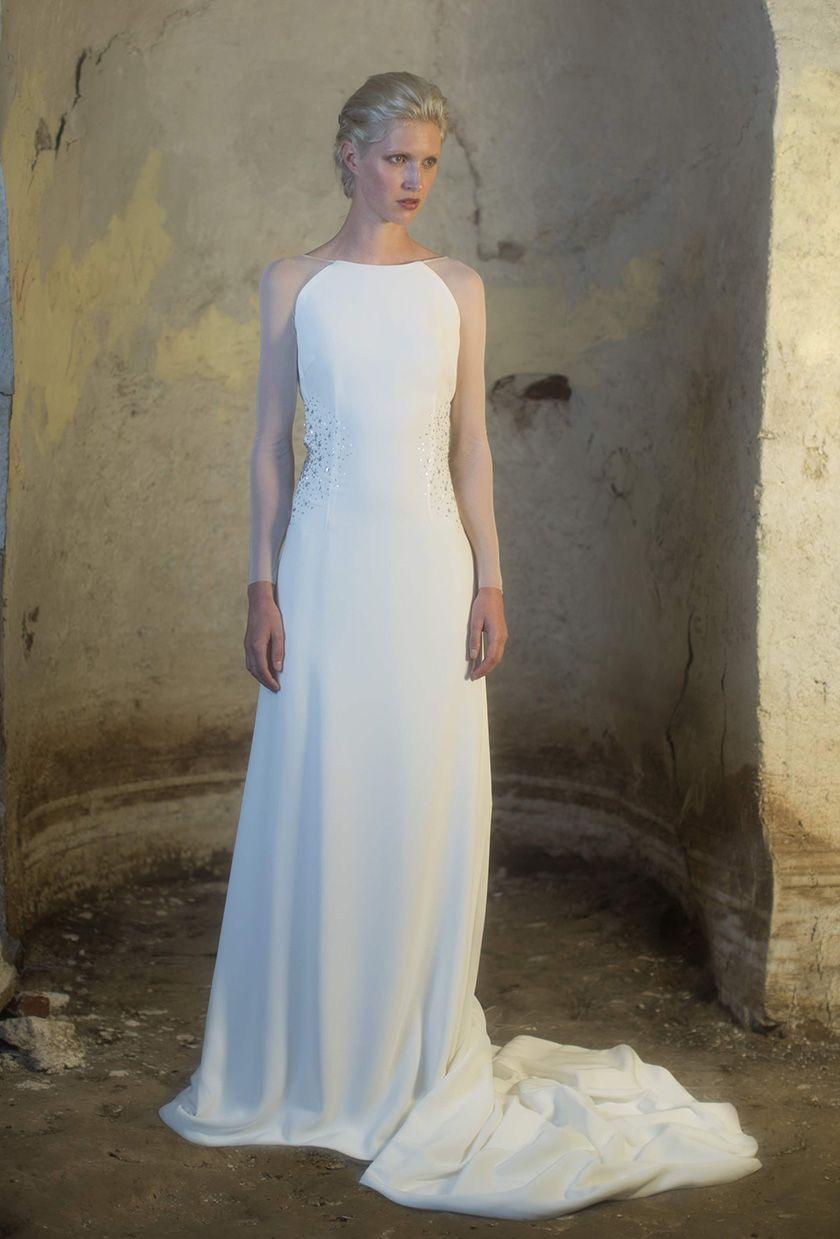 Vestido de novia elegante y femenino en el que se combinan a la ...