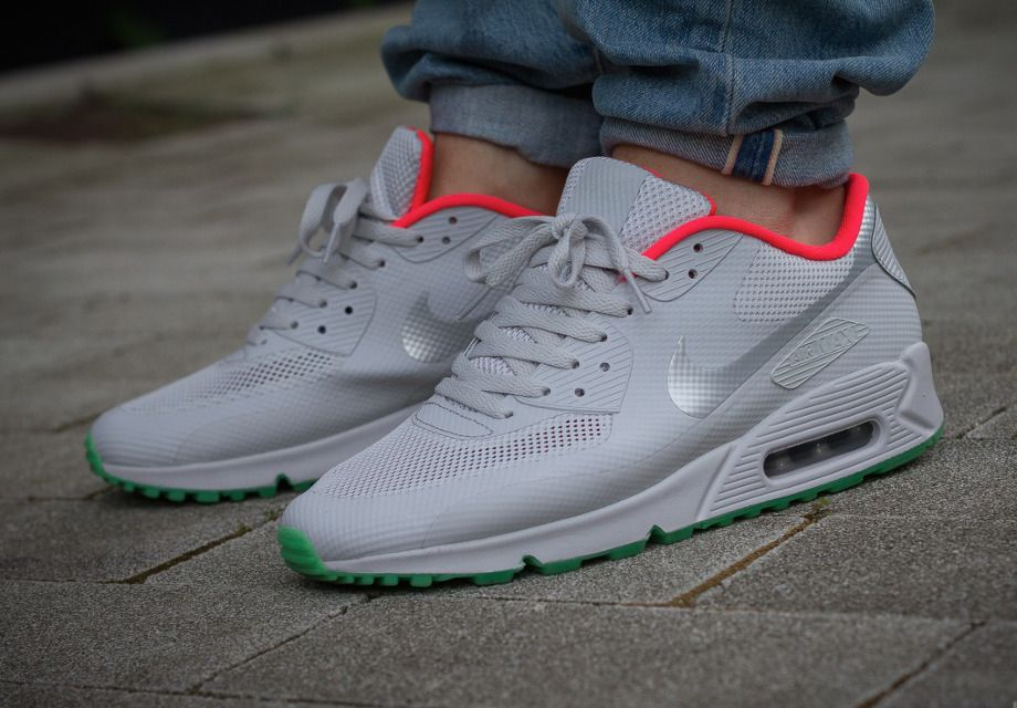 nike air max 90 id x nike air yeezy 2 pure platinums natural form