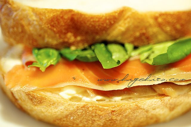 Smoked salmon and cream cheese sandwich by higehiro, via Flickr