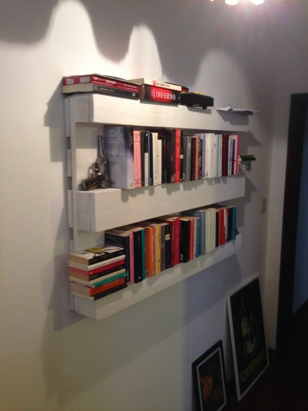 The easiest pallet bookshelves Living Room Pallet Projects Pallet Bookcases & Bookshelves