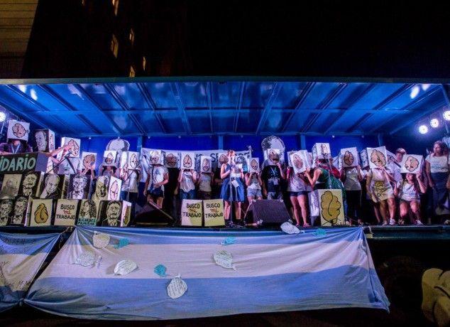 ARGENTINA: Dezenas de protestos contra demissões em massa e sucateamento dos serviços  públicos