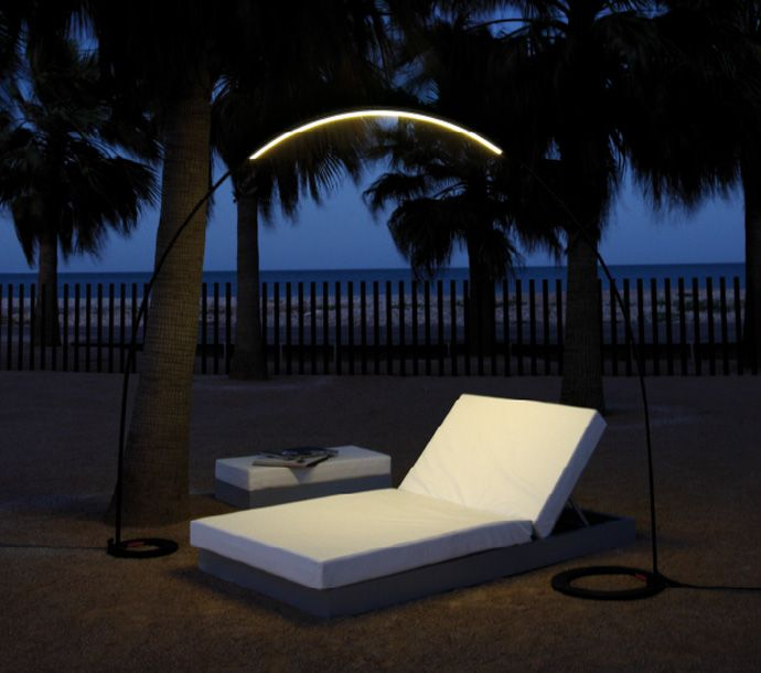 Halley For Vibia Lights Your Garden With These Unusual Night Lamp Outdoor Lamp Outdoor Floor Lamps Outdoor Flooring