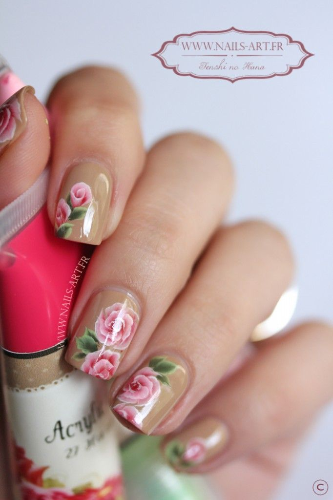 Minis roses et nouvelle peinture (Mariann Palfi)