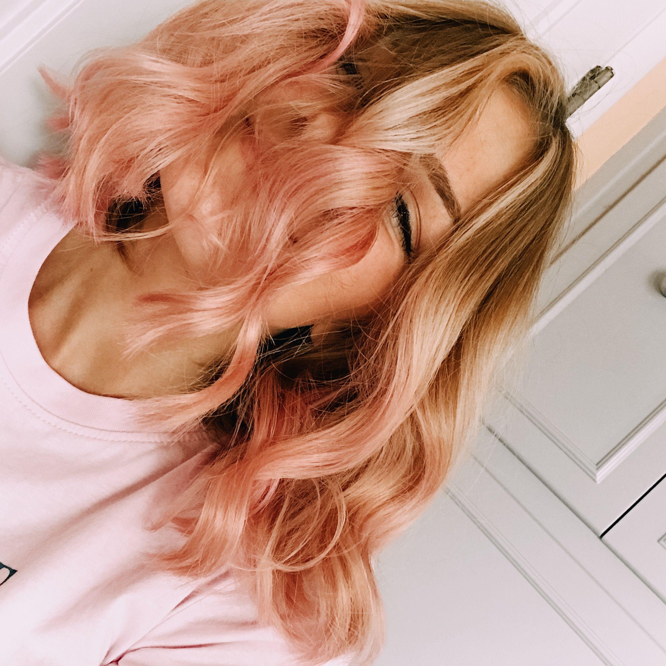 Rose Gold Hair Hair Styles Strawberry Blonde Hair Peach Hair