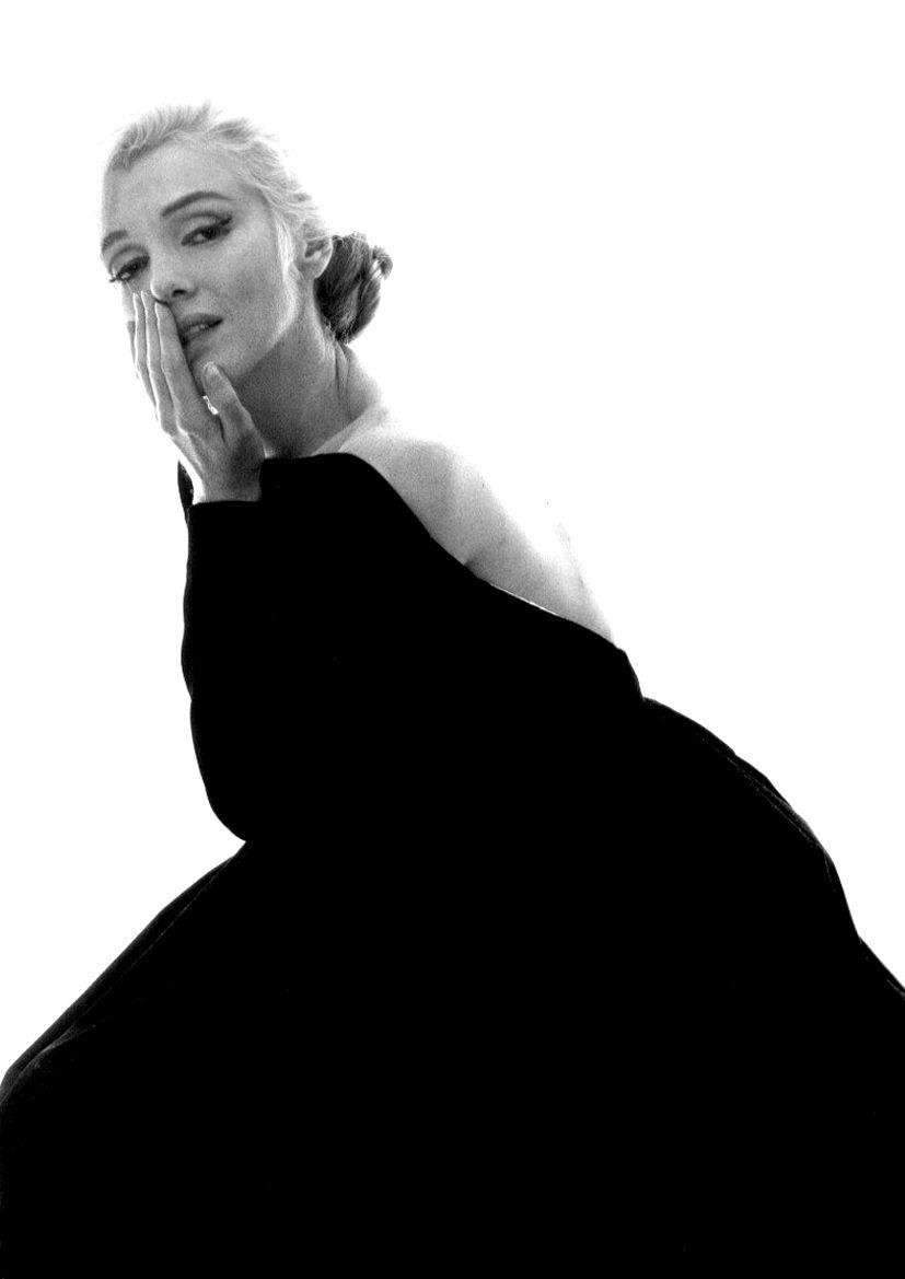 Marilyn in Christian Dior.