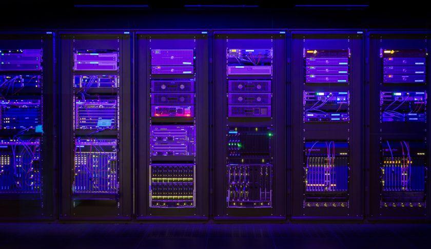 nokia_security_center_server_room.jpg (840×485)