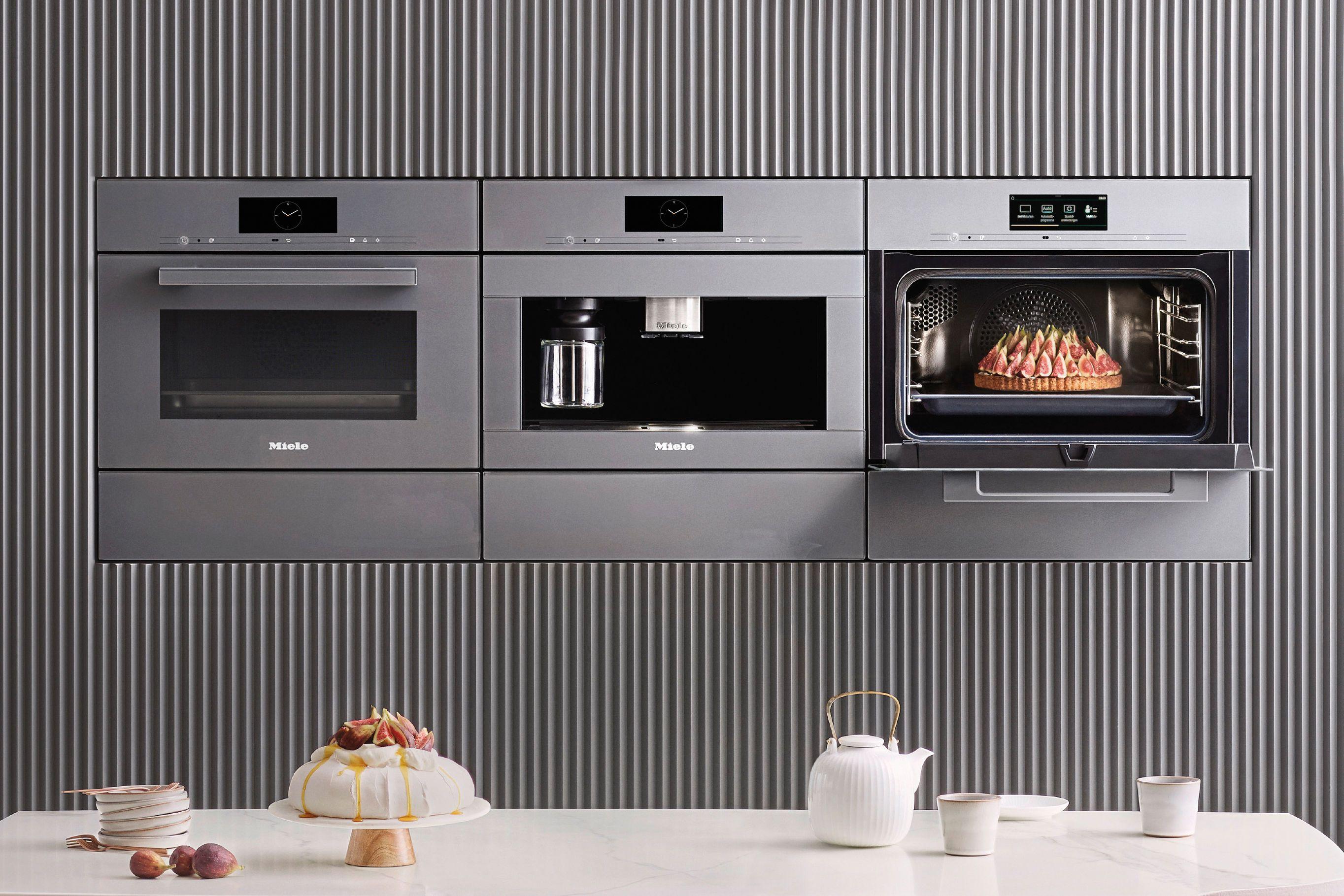 Kuchengerate Neue Generation In 2020 Kuche Einbauen Zeitlose Kuche Miele Kaffeevollautomat Einbau