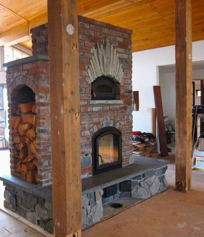 Allen Masonry Heater - I like the bake oven and wood storage And - ofen für wohnzimmer