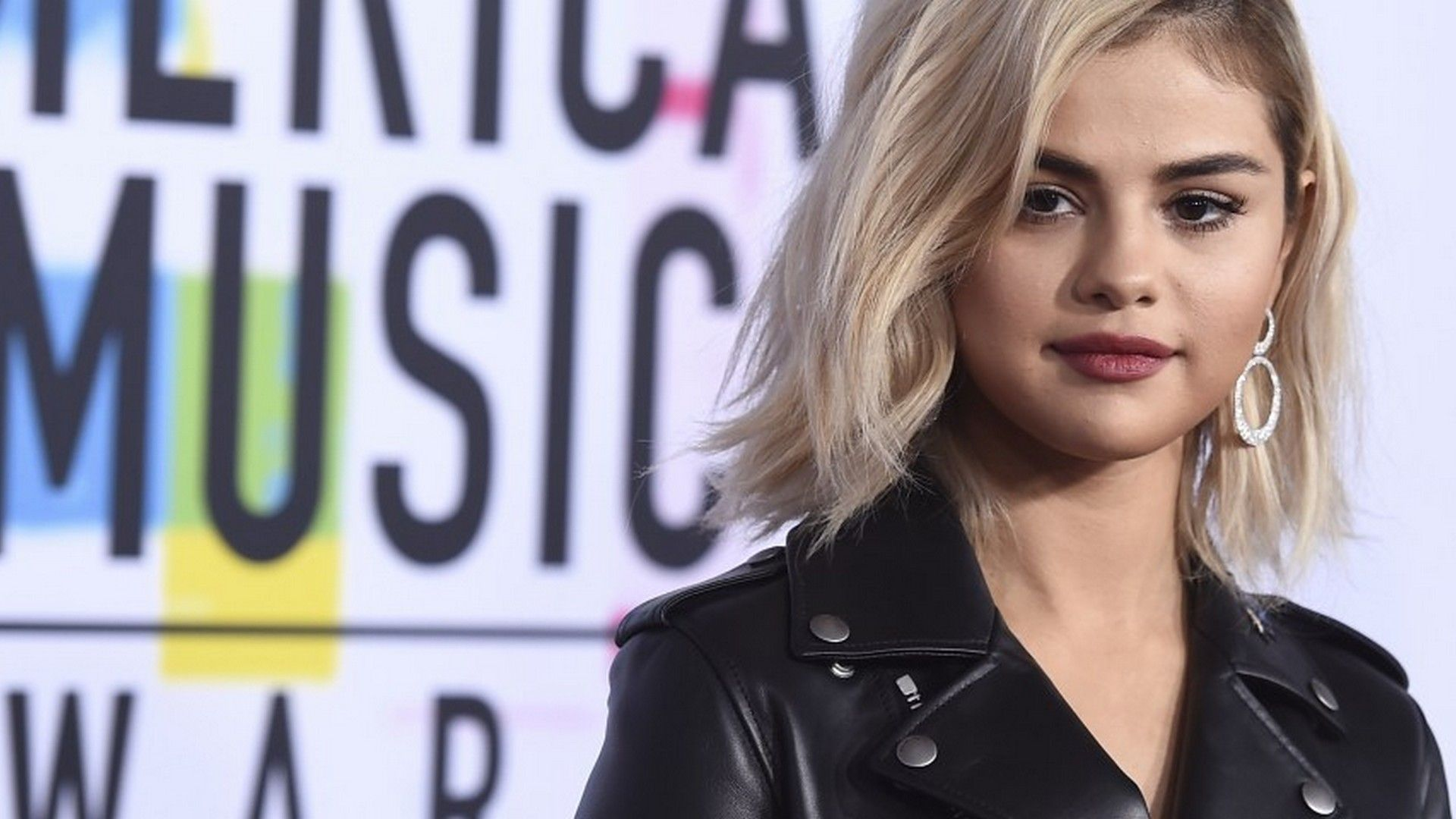 Hd Selena Gomez Blonde Wallpaper 2020 Live Wallpaper Hd Selena Gomez Selena Blonde