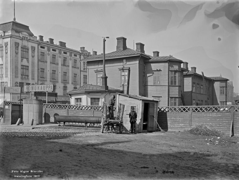 Siltasaarenkatu 7, 9. Nykyinen Hakaniementori  Brander Signe HKM 1912 Helsingin kaupunginmuseo