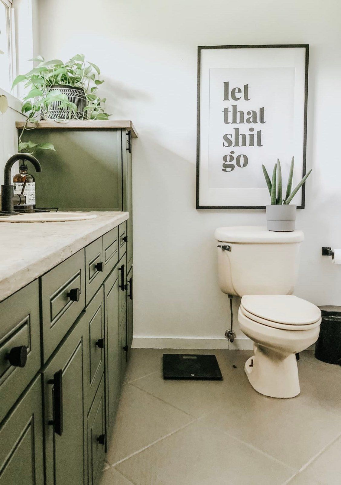 Photo of Before and After: $500 Turns this Dated Bathroom into a Modern Farmhouse Oasis