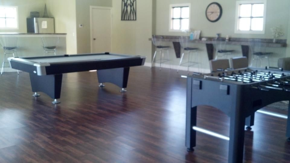 At Ucf Area Student Housing Brunswick Black Wolf Pool Table