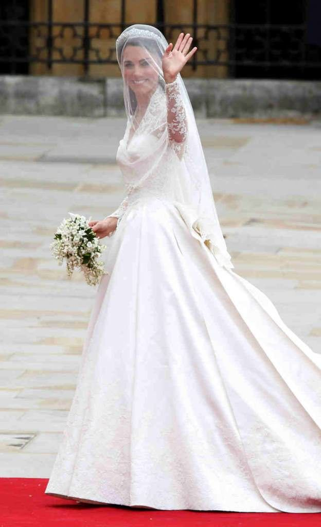 The Most Expensive Wedding Gowns In The World Kate Middleton Wedding Dress Kate Wedding Dress Kate Middleton Wedding