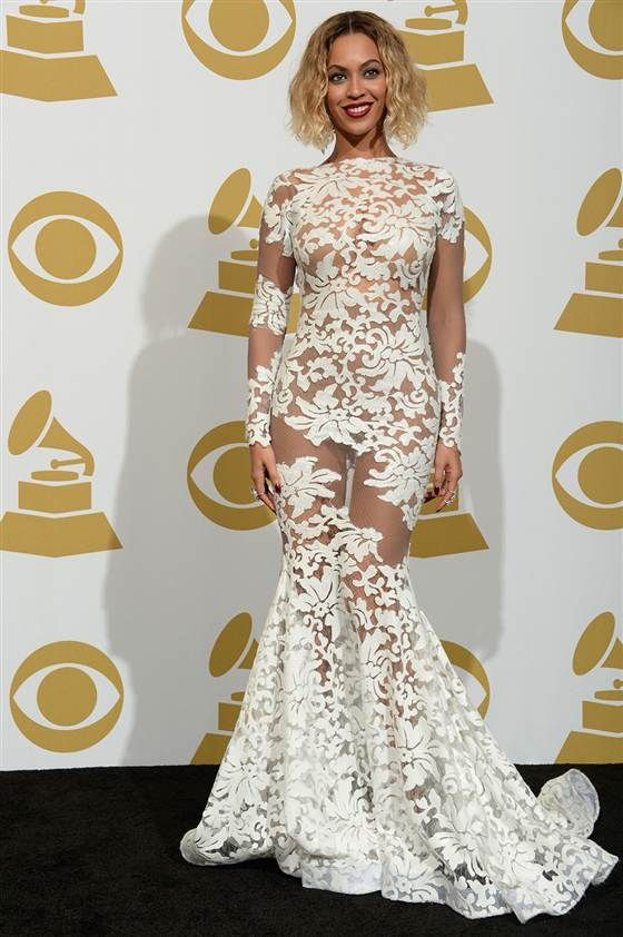 We\'re obsessed: Beyonce\'s white lace Grammy Awards gown