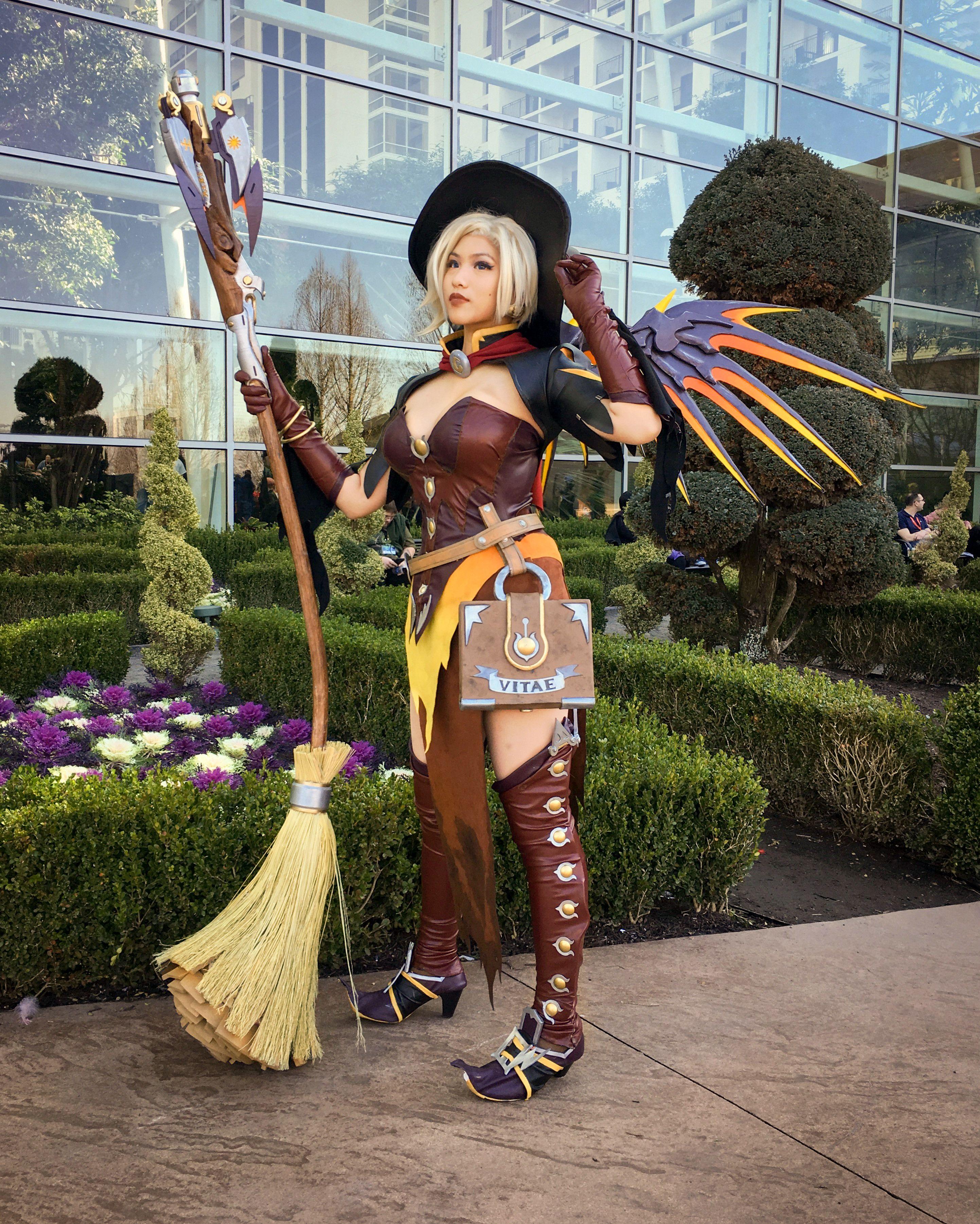 Witch Mercy Cosplay Halloween Mercy Pinterest Witch Mercy
