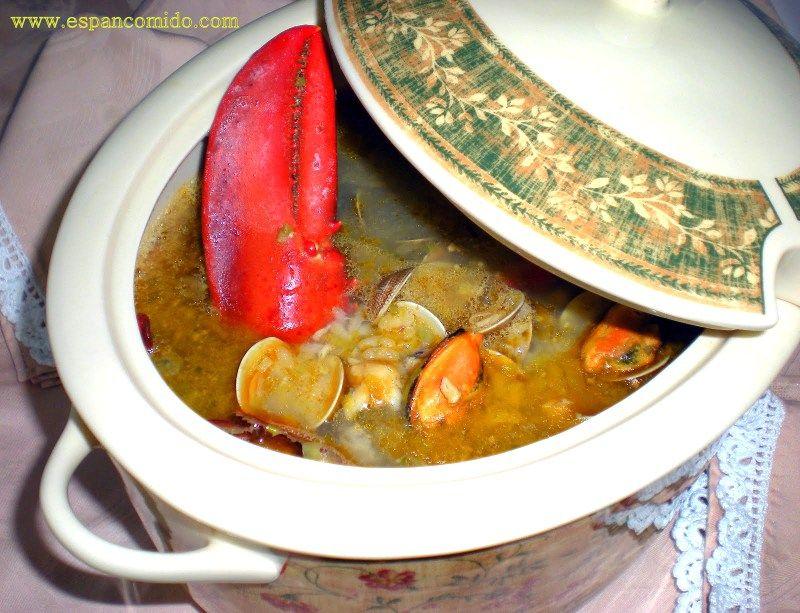 Sopa marinera con bogavante
