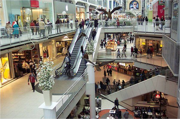 Back From The Dead Why The Shopping Mall Is Stronger Than Ever Shopping Mall Shopping Malls Shopping Center