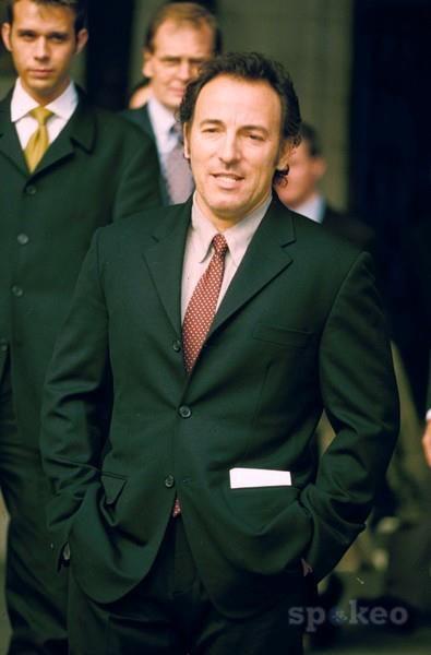 ผลการค้นหารูปภาพสำหรับ bruce springsteen and suits
