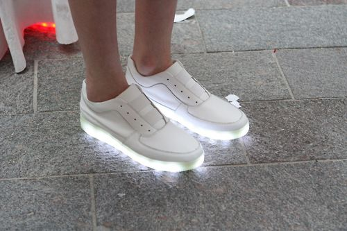 new styles 064d2 74cb6 LED tennis shoes...LOL one way to find your friend at a club ...