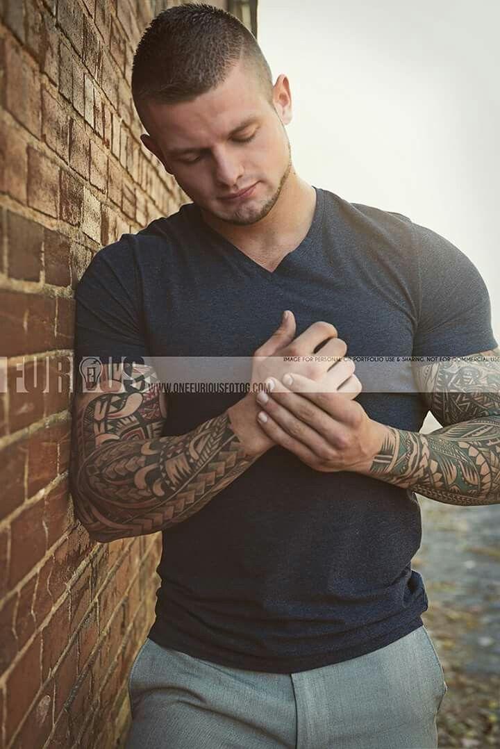 Pin De Seoman En Hombres Tatuados Pinterest Hombres Tatuados