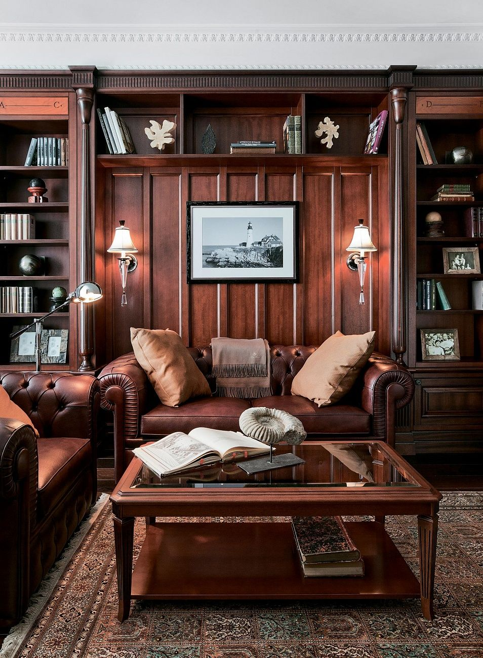 Wood Paneled Office: Nicely Done Wood Paneled Room And Leather Furniture