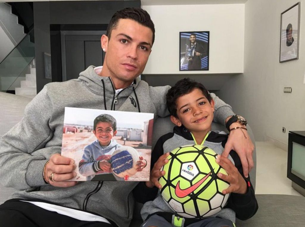 """Résultat de recherche d'images pour """"Cristiano Ronaldo : Son fils, sa plus belle réussite marketing ?"""""""