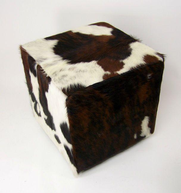 Pouf recouvert de peau de vache normande en 40cmX40cm direct tannerie  assise décoration