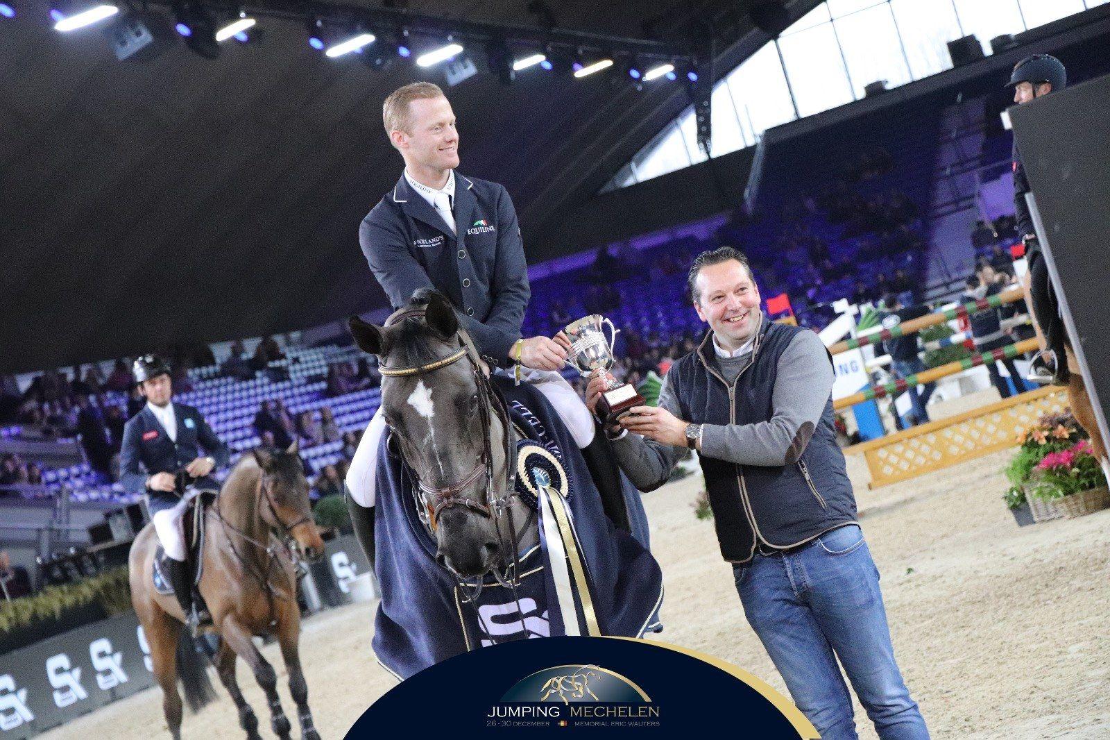 El jinete belga Niels Bruynseels repitió en el CSI5* Jumping Mechelen y sumar su segunda victoria en casa, llevándose el Trailer como primer premio.